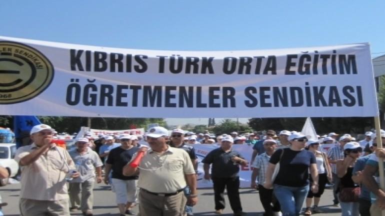 Din eğitiminde KKTC'de baskıya, Türkiye'de yaş sınırına son!