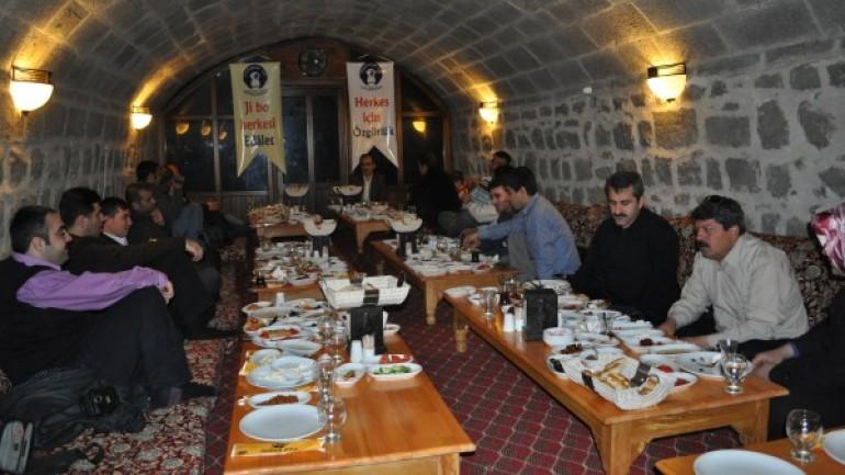 Diyarbakır Özgür Eğitim-Sen İl Temsilciliği Basınla Tanıştı